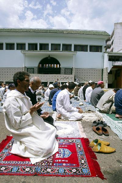 Más del 65% de los marroquíes reza regularmente.