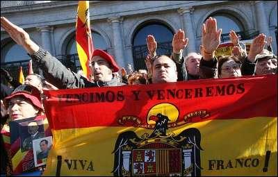 Concentracion Fascista en la Plaza de Oriente el domingo.
