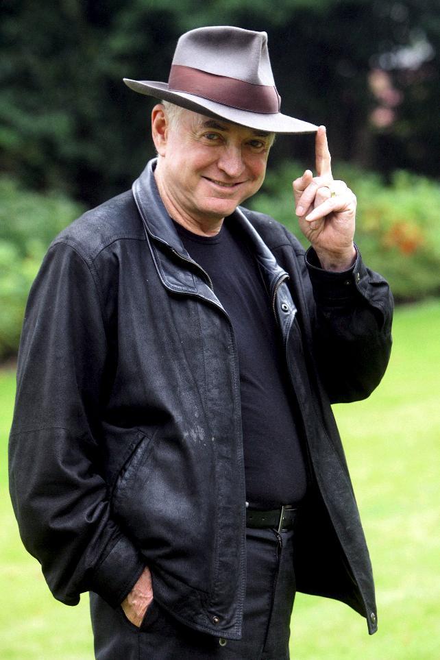William Gordon, esposo de Isabel Allende, repite género policíaco en ...