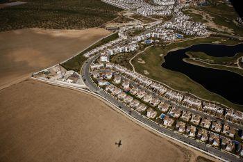 La urbanización Polaris World da cuenta del modelo urbanístico que ha triunfado en Murcia. PEDRO ARMESTRE.