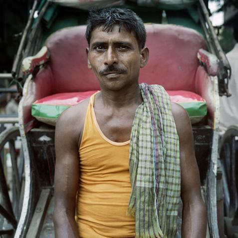 Simone Donati © (Italia), 'The Last Rickshaw Pullers of Kolkata 06' / Categoría: Retrato || Cortesía de 'Sony World Photography Awards'