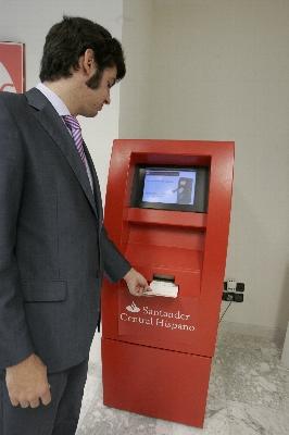 Diario p blico for Cajeros automaticos banco santander