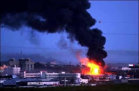 Después de entrar en la ciudad de Gaza, la  fuerza militar israelí ha atacado a una sede de la ONU, un centro de prensa y un hospital de la Media Luna Roja. EFE