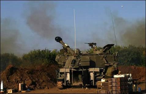 Como preludio a la entrada de Israel en Gaza, el ejército hebreo disparó fuego de artillería. AFP