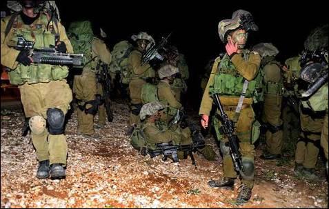 Decenas de combatientes han muerto en los primeros enfrentamientos registrados esta noche entre milicianos palestinos y soldados israelíes tras la invasión de Gaza por columnas de tanques y tropas del Ejército del Estado judío. EFE