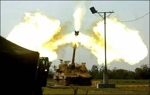 Los disparos de la artillería israelí son devastadores. AFP