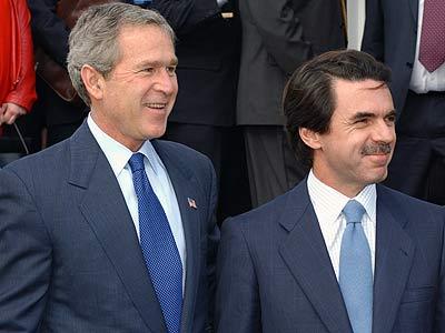 Jose María Aznar, junto al presidente saliente de EEUU, George W. Bush.