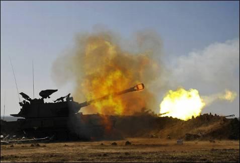 Israel detendrá los bombardeos sobre Gaza durante tres horas al día a partir del 7 de enero, para permitir el paso de ayuda humanitaria. AMIR COHEN / REUTERS