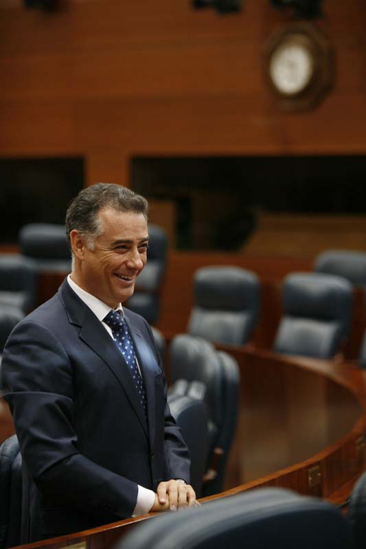 López Viejo se vio obligado a abandonar el PP junto con otros dos  diputados
