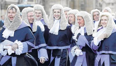 Jueces y juezas británicos se dirigen el pasado mes de octubre a un acto oficial en el Palacio de Westminster. - AFP
