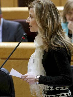 La ministra de Igualdad, Bibiana Aído, interviene durante la sesión de control al Gobierno en el Pleno que se celebra esta tarde en el Senado. J.J. GUILLÉN