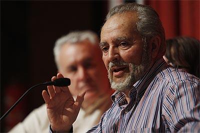 Julio Anguita durante el acto por la Tercera Republica celebrado en la Facultad de Filosofia de la Universidad Complutense donde intervino junto a Cayo Lara. Guillermo Sanz