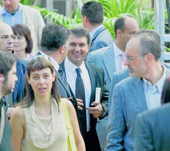 Joan Laporta conversa con Joan Puigcercós, de ERC, antes del acto institucional de la última Diada.