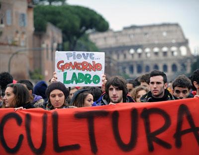 Manifestantes italianos protestan contra los recortes en los presupuestos de cultura el pasado 30 de noviembre.
