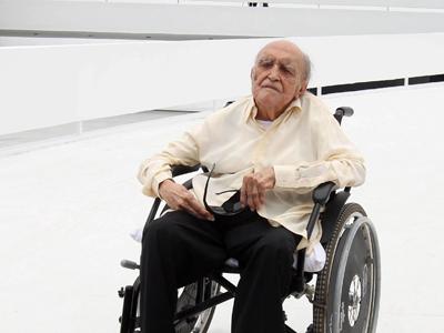 Oscar Niemeyer, durante la inauguración de su Fundación en Niteroi (Brasil).AFP