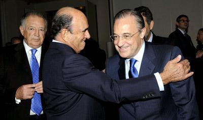 El presidente del Banco Santander, Emilio Botín, y el de ACS, Florentino Pérez. - EFE