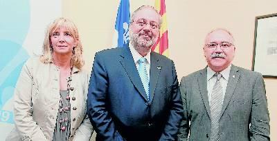 La viceconsellera Clavell, con el vicepresidente Carod y el ministro de Exteriores de Quebec en Barcelona. - miquel coll