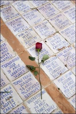 Imagen de un homenaje en 2007 a los republicanos fusilados en Valencia. - M. MURCIA