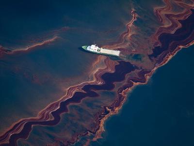 Mancha provocada por la explosión de la plataforma Deepwater Horizon