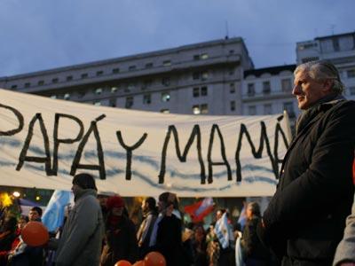 Manifestación contra el matrimonio gay, la noche del martes en  Buenos Aires.efe