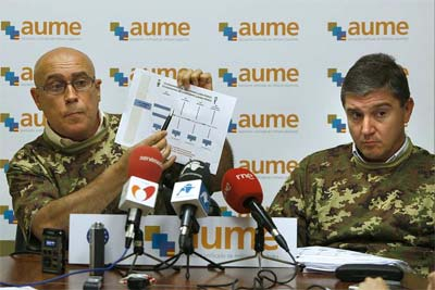 Jorge Bravo (izda) y Mariano Casado (dcha), durante la rueda de prensa. EFE