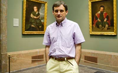 Javier Portús, en una de las siete salas que componen la muestra  monográfica de la obra de Diego Velázquez. ÁNGEL NAVARRETE