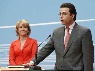 El consejero de Sanidad de la Comunidad de Madrid, Javier Fernández Lasquetty, junto a Esperanza Aguirre.
