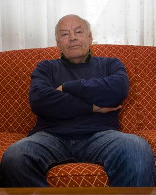 Foto durante una entrevista al escritor Uruguayo en el Hotel Colon de Barcelona, en 2008.