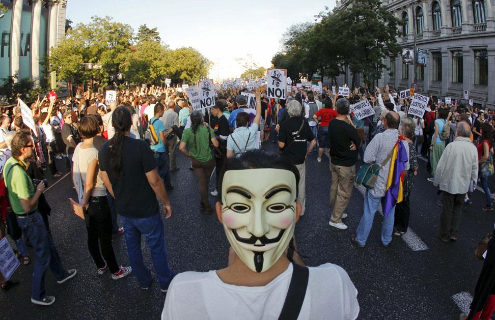 Miles de manifestantes durante la manifestación más numerosa del 15O, que en Madrid ha empezado en Cibeles