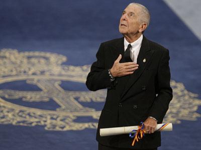 El músico y poeta Leonard Cohen recibió ayer en Oviedo el Príncipe de Asturias de las Letras.-