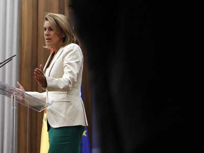 La número dos del PP, María Dolores de Cospedal, en una rueda de prensa el pasado 14 de septiembre. m. patxot