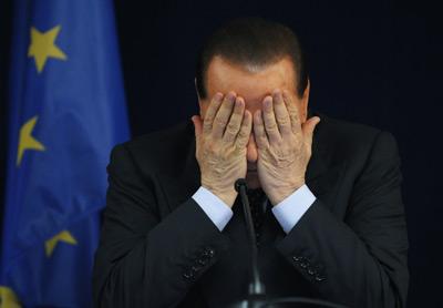 Silvio Berlusconi, durante una rueda de prensa tras una cumbre europea en Bruselas el 20 de junio de 2008. marco valdo / reuters