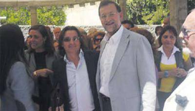 Di Giorgio colgó en Facebook su foto con Mariano Rajoy el 19 de diciembre de 2010.
