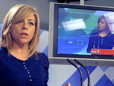 Elena Valenciano, directora de campaña del PSOE, en la noche electoral.