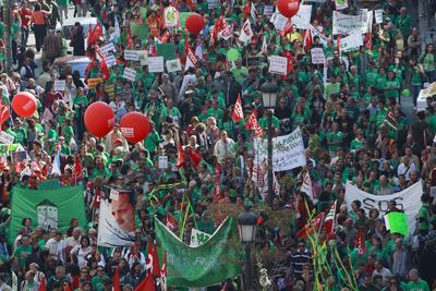 Marcha de profesores, padres y alumnos de la escuela pública madrileña, en contra de los recortes. Guillermo Sanz