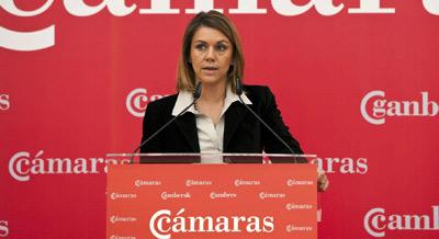 La secretaria general del Partido Popular, María Dolores de Cospedal, en su intervención durante el almuerzo que ha mantenido con empresarios de Castilla y León.