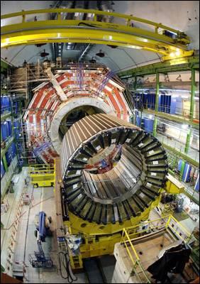 Imagen del CMS, uno de los dos detectores que han encontrado 'evidencias' del bosón de Higgs. ap