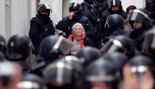 Desahucio policla contra Clara Martínez en Granada. -