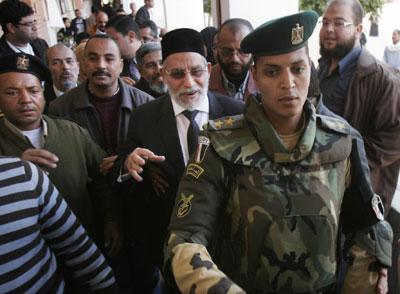 Egipto:  lo que dicen y lo que hacen el Estado y  las  fuerzas capitalistas. - Página 2 1323981380786egipciosdn