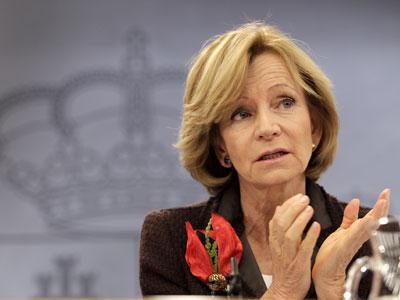 Elena Salgado, en una imagen de archivo, durante una rueda de prensa posterior al Consejo de Ministros.-