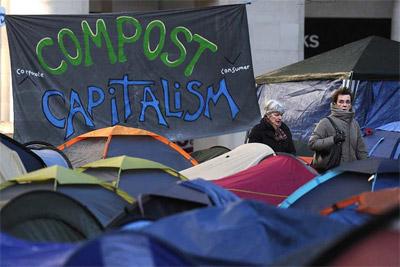 Campamento de los indignados de Londres, frente a la catedral de St. Pauls. AFP