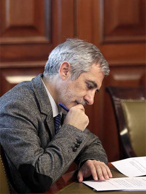 Gaspar Llamazares acreditándose en el Congreso - MARTA JARA