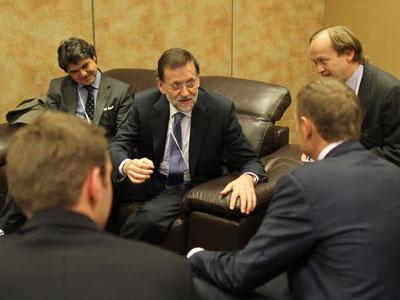 El presidente del PP, Mariano Rajoy, el jueves en Marsella, con el primer ministro polaco, Donald Tusk.-