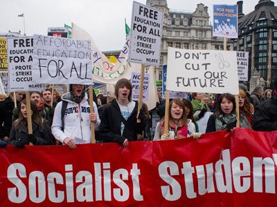 Alumnos británicos protestan el pasado enero en Londres contra la subida del precio de las tasas universitarias.AFP
