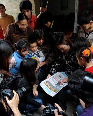 Reencuentro entre un niño secuestrado y su familia.