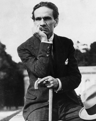 El poeta peruano César Vallejo colaboró en la defensa de la República en los años treinta.