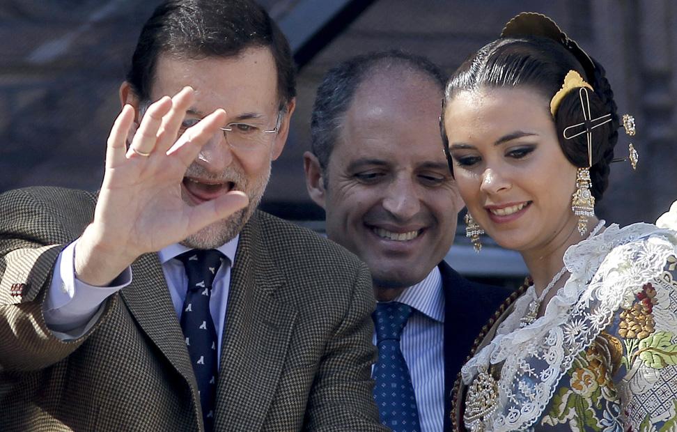 http://imagenes.publico.es/resources/archivos/2011/3/18/1300474661953rajoygd.jpg