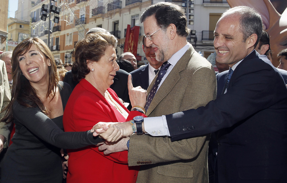 http://imagenes.publico.es/resources/archivos/2011/3/18/1300474723519rajoy2gd.jpg