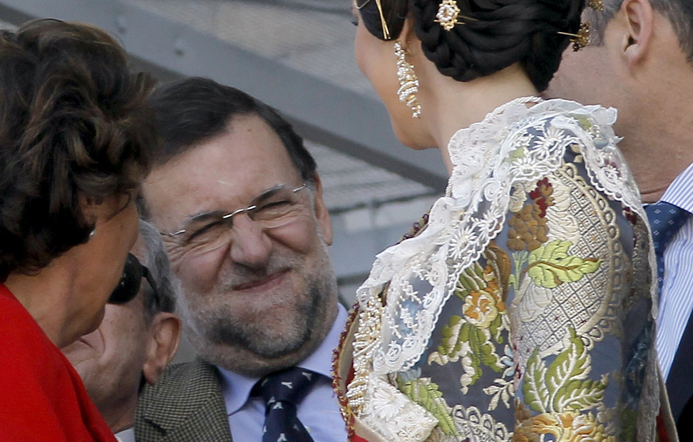 http://imagenes.publico.es/resources/archivos/2011/3/18/1300475704288RAJOY-5gd.jpg