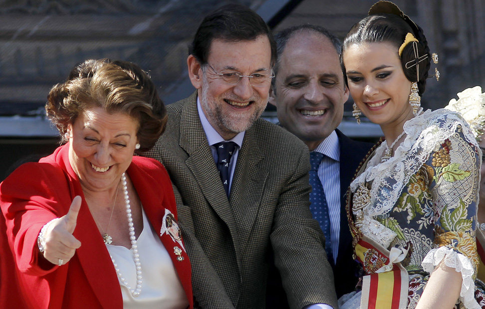 http://imagenes.publico.es/resources/archivos/2011/3/18/1300475835610RAJOY-7gd.jpg